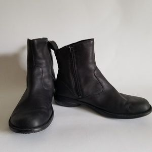 Merrell Ankle Boot 7.5M Black Round Toe Low Heel